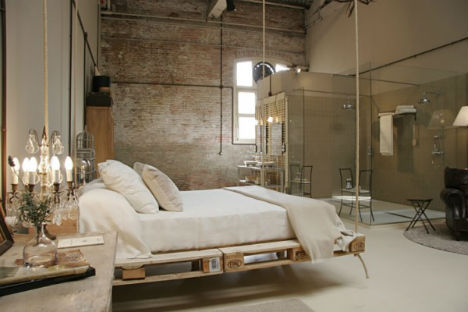 Pallet-Projects-Hanging-Bed