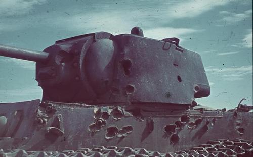 Russland, bei Stalingrad, Panzer KW-1