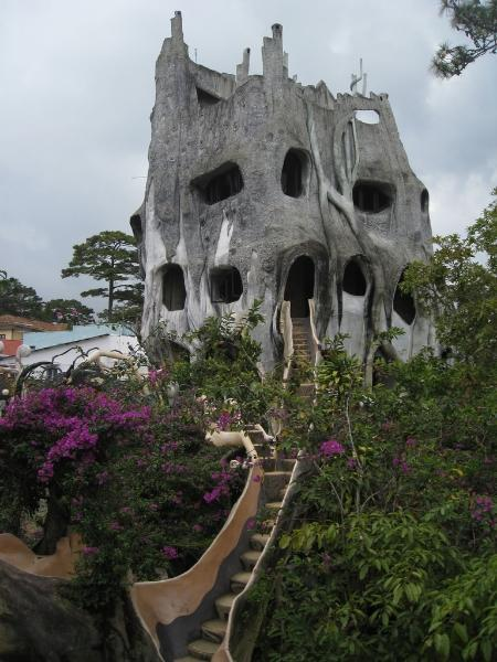 vietnam-crazy-house-20