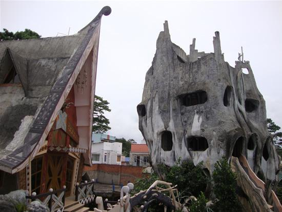 vietnam-crazy-house-22