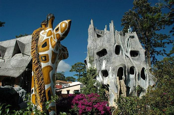 vietnam-crazy-house-23
