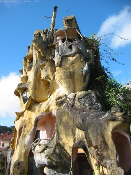 vietnam-crazy-house-28