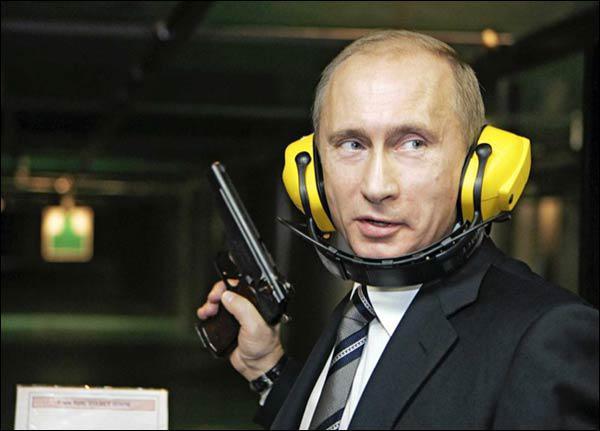 Ja-Krievija-Uzbruktu-1