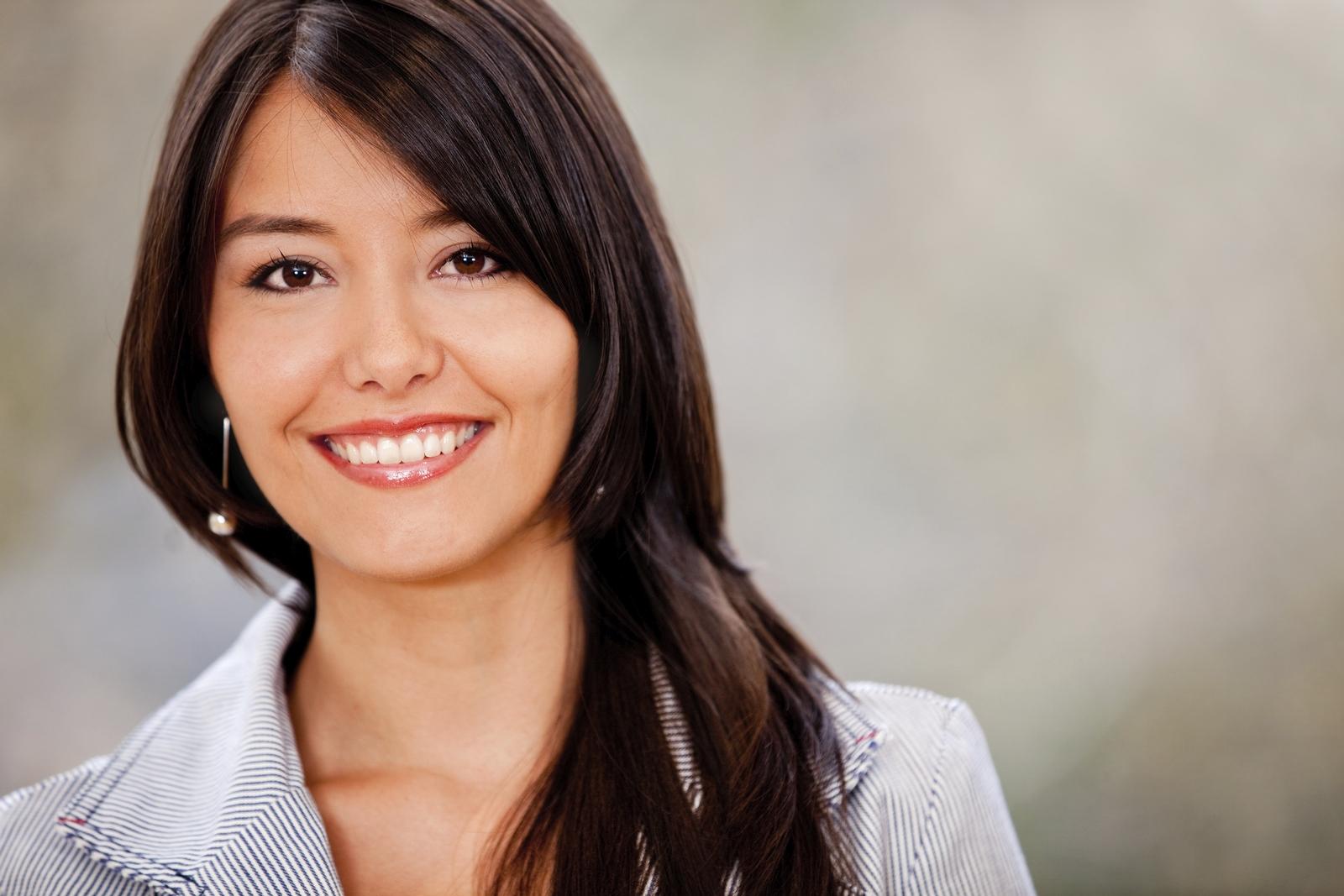 Woman-smiling_Veer1