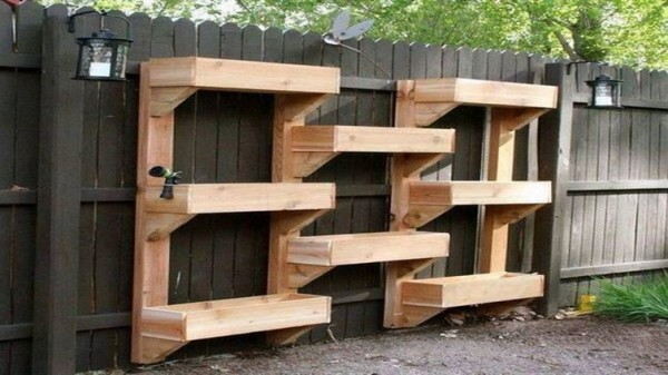 The-Wooden-Wall-Planter-600x337
